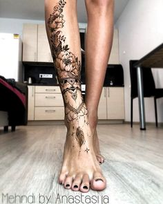 So beautiful ornamental tattoo! So beautiful ornamental tattoo! tattoos So schönes Ziertattoo! Some Great Wedding Flower Ideas Flowers play a sizeable position in setting the theme of your complete wedding ceremony. Leg Tattoos Women, Sexy Tattoos, Body Art Tattoos, Small Tattoos, Tatoos, Lower Leg Tattoos, Girl Leg Tattoos, Feminine Tattoos, Nature Tattoos