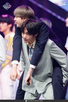 190425 M Countdown Bulletproof Boy Scouts (BTS) - Poems for small things + Encore scene Photo: Naver Post Seokjin, Kim Namjoon, Kim Taehyung, Hip Hop, Jung Hoseok, Namjin, K Pop, Park Jimim, Kdrama