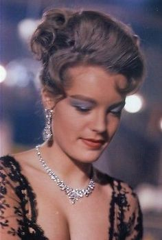 Romy - The Victors Romy Schneider, Most Beautiful Women, Beautiful People, Diva E, Sarah Biasini, Alain Delon, Old Hollywood, Hollywood Stars, Lucille Ball