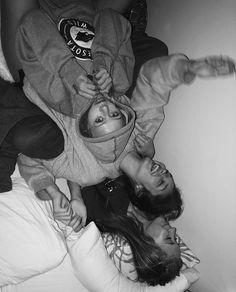 ideas for photography friends sleepover bffs 3 Best Friends, Cute Friends, Best Friend Goals, Best Friends Forever, Friends Girls, Cute Friend Pictures, Best Friend Pictures, Best Friend Photography, Sleepover