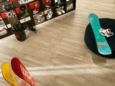 Płytki gresowe drewnopodobne produkcji NovaBell z kolekcji Eco Dream w kolorze Frassino.   Ciepło drewna, praktyczność płytek. Płytki występują w 2 rozmiarach: 15x90; 22,5x90 Edm, Tile, Sevilla Spain, Mosaics, Tiles, Backsplash