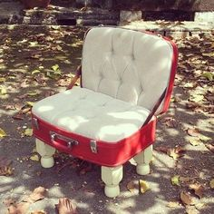 Upcycled Vintage Luggage Chair Recycled Furniture - Projects to Try - Funky Furniture, Refurbished Furniture, Classic Furniture, Handmade Furniture, Repurposed Furniture, Unique Furniture, Furniture Projects, Furniture Makeover, Furniture Decor