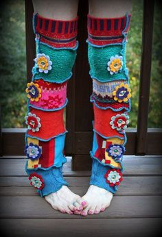 Upcycled thrifts store sweaters - cut up the sleeves and make fun fab leg warmers! Crochet Leg Warmers, Crochet Socks, Arm Warmers, Crochet Projects, Sewing Projects, Sewing Patterns, Crochet Patterns, Recycled Sweaters, Embroidered Flowers