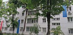 Berceni - Emil Racovita, ofer spre vanzare apartament compus din 3 camere, semidecomandat, situat la etajul 1 al unui bloc compus din P+4 si construit in anul 1969. Apartamentul dispune de finisaje de cea mai buna calitate, gresie, faianta, parchet, ... Mai
