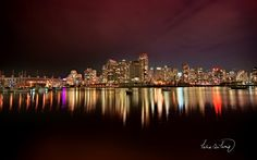 City skyline theme for windows Seattle Skyline, New York Skyline, How Far I Go, Vancouver City, Vancouver Skyline, City Wallpaper, Windows, Best Cities, Adventure Is Out There