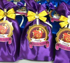 Descendants favor bags...