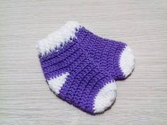 Meia Bebê em Crochê Soft - YouTube Crochet Baby Socks, Baby Booties Knitting Pattern, Baby Afghan Crochet, Crochet Art, Crochet For Kids, Baby Knitting, Crochet Patterns, Pinterest Crochet, Baby Staff
