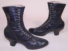 Victorian Women's Navy Blue Leather High Top Button Boots This pair of antique Victorian era women's navy blue leather high top button boots date from They are made of a supple dark navy blue leather, with decorative ecru cream color stitching. Victorian Era Fashion, 1880s Fashion, Victorian Women, Victorian Boots, Steampunk Fashion, Pink Fashion, Fashion Boots, Sneakers Fashion, Emo Fashion