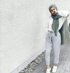 PINTEREST: Aya MB Casual Hijab Outfit, Hijab Chic, Casual Outfits, Cute Outfits, Fashionable Outfits, Modest Outfits, Modest Fashion, Fashion Outfits, Modest Clothing