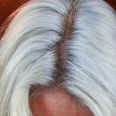 Don't you wish you could have your natural hair color back? Well now you can with the help from Catalase XP. This is the no gray hairs solution to getting rid of unwanted gray hairs. #nomoregrayhair #grayhair #getridofgrayhair #catalasexp