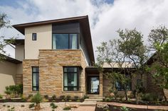 Cornerstone Architects along with building company Eppright Custom Homes designed this beautiful hilltop home nestled in Texas Hill Country. Hill Country Homes, Texas Hill Country, Diy Exterior, Exterior Design, Custom Home Designs, Custom Homes, Entrance Design, Building Companies, Parade Of Homes