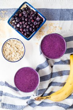 Blueberry Peanut Butter Protein Smoothie with oats, almond milk, greek yogurt, banana and protein powder. Easy, thick and creamy breakfast smoothie that tastes like peanut butter and jelly! - www.platingpixels.com
