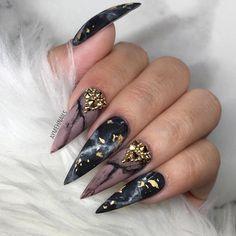Modern Black and Gold Nail Designs for Women - Nails C Black Marble Nails, Black Stiletto Nails, Pointy Nails, Acrylic Nail Powder, Simple Acrylic Nails, Gold Nail Designs, Cute Nail Designs, Nails Design, Hot Nails