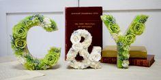 イニシャルフラワーオブジェ Bookends, Initials, Letters, Flowers, Home Decor, Homemade Home Decor, Royal Icing Flowers, Fonts, Flower