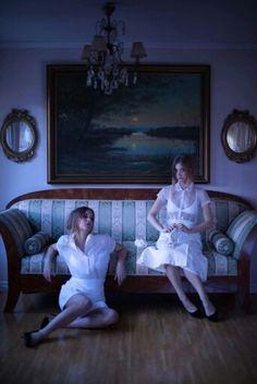 Stella & Luna #twins #fotoshoot #styling #white Stella Luna, Foto Shoot, Twins, Painting, Art, Art Background, Painting Art, Kunst, Paintings