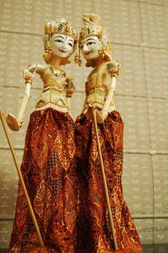 wayang_golek_wooden_doll_rod_puppet_marionette.jpg 531×800 pixels