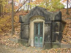 A Morbid Fascination: Elmwood Cemetery, Detroit, Michigan