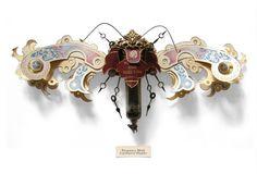 Un artiste sculpte des insectes fantastiques à partir d'objets récupérés