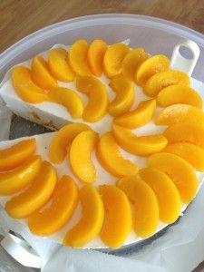 Perzik yoghurttaart http://www.smulkids.nl/koemelkvrije-yoghurt-taart-met-perziken/