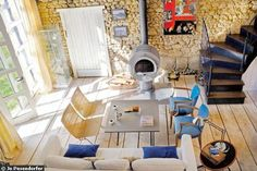 Un salon dans l'ancienne étable