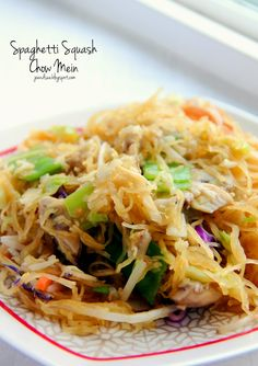 Jo and Sue: Spaghetti Squash Chow Mein - 114 calories for HUGE serving, only 20 carbs. Vegan, gluten free