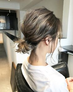 Best Bob Hairstyles & Haircuts for Women - Hairstyles Trends Curly Hair Styles, Short Hair Updo, Wavy Hair, Medium Hair Styles, Short Ponytail Hairstyles, Asymmetrical Bob Haircuts, Hair Arrange, Great Hair, Hairstyles Haircuts