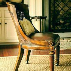 Boa noite. Arte em Palha (Empalhamentos, Itu/SP) • Cel/Whats: 11 97040-6441 • Tel: 11 4025-2175 • Instagram: #arteempalha  #cadeira #palhinha #ambiente #casa #interiors #rustic #rustico #decoraçãodeinteriores #decore #decoração #homedesign #homestyle #homedecor #interiors #casa #caneseat #chair #chaircaning #vintage #silla #rejilla #noiteboa #noitelinda #boanoiteee #boanoiteeee #boanoitee #boanoite #goodnight #buenasnoches #buonanotte #follow4follow #goodnight