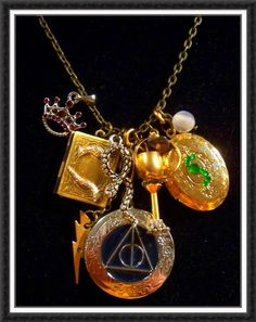 I want this Harry Potter necklace very much :)