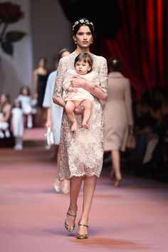 The full details on the show where a very pregnant Bianca Balti and lots of babies were seen on the runway.
