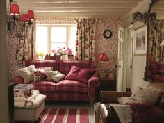 Cozy Small Living Room Ideas For English Cottage