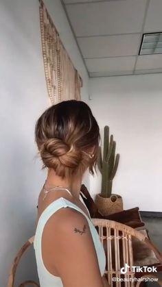 Bun Hairstyles For Long Hair, Work Hairstyles, Hairdos, Hair Up Styles, Aesthetic Hair, Hair Videos, Hair Looks, New Hair, Hair Inspiration