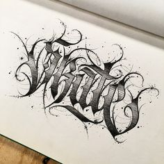 Calligraphy Tattoo Fonts, Tattoo Lettering Alphabet, Tattoo Name Fonts, Graffiti Lettering Fonts, Lettering Design, Chicano Tattoos Lettering, Tattoo Lettering Styles, Graffiti Words, Graffiti Drawing