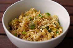 Chinakohlsalat mit Mie - Nudeln, ein schmackhaftes Rezept aus der Kategorie Snacks und kleine Gerichte. Bewertungen: 107. Durchschnitt: Ø 4,6.