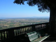 I remember this view from Cortona, Italy <3