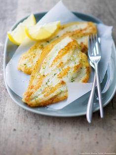 Filets de plie meunière - Une recette pour changer de la traditionnelle sole meunière : testez les filets de plie meunière ! Avec du beurre et du jus de citron, c'est aussi bon...