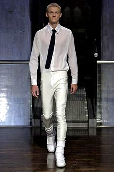 Raf Simons | Spring 2005 Menswear Collection | Style.com
