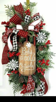 Door swag or Holiday wreath? I'm in love with both 😍💃🏻❤️🎁🎄🎉☃️  Christmas Swags, Holiday Wreaths, Diy Christmas Gifts, Rustic Christmas, Christmas Holidays, Christmas Ornaments, Christmas Floral Arrangements, Christmas Centerpieces, Xmas Decorations