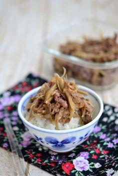 牛ごぼうとえのきの甘辛炒め【作りおき】 by 鈴木美鈴 ごぼうとえのきのうま味と食感が牛肉と良くあい、生姜風味で食欲が増すおかず。アレンジも色々できるので、とっても重宝します。