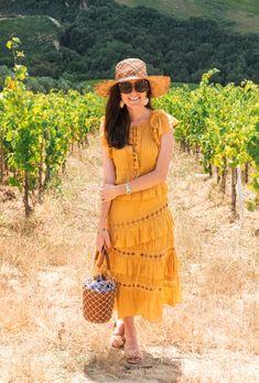 Wine Tasting in Montalcino - Classy Girls Wear Pearls Sauvignon Blanc, Cabernet Sauvignon, Summer Fashion For Teens, Spring Summer Fashion, Spring Outfits, Outfit Summer, Teen Fashion, Chenin Blanc, Pinot Noir