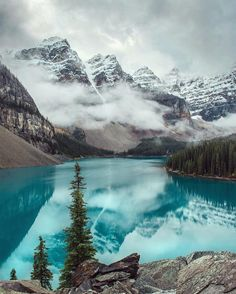 @clo.photo's photo in Moraine Lake Alberta #Canada  check out her gallery for more details of this wonderful photo  @clo.photo selected from #warrenjc by warrenjc