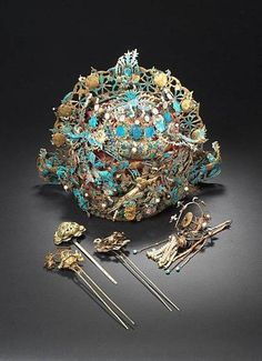 A Kingfisher feather Headdress and Hairpins - China, Late Qing Dynasty
