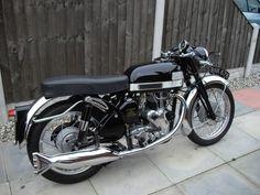 1964 Velocette Venom Triumph Motorcycles, Old School Motorcycles, British Motorcycles, Vintage Motorcycles, Cars And Motorcycles, Classic Motors, Classic Bikes, Nitro Circus, Motorcycle Design