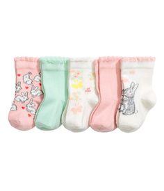 Light pink. Fine-knit socks in a soft cotton blend.