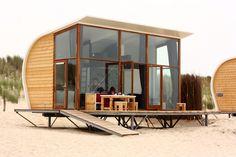 Modern Beach House Design Ideas to Welcome Summer Beach House Style, Beach Cottage Style, Shed Design, House Design, Casas Containers, Beach Shack, Beach Cottages, Beach Houses, Tiny Houses