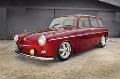 Photos and description of Volkswagen type 3 squareback,Volkswagen. Everything you want to know about this car. Volkswagen Karmann Ghia, Volkswagen Type 3, Vw T1, Vw Modelle, Vw Wagon, Vw Variant, Vw Classic, Vw Cars, Station Wagon