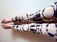 Shibori Tie Dye Leggings Women's Hand Painted Bleach Dyed Leggings Batik Yoga Leggings Fitness Leggings Pants Steam Punk Reverse Die Legging