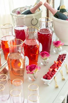 Color Themed Mimosa Bar Juices -- Tips on Setup & More! / Pretty mimosa set up for Valentine's Day with pink decor, mimosas, and Valentine's Day decor. Plastic Ice Cubes, Stemless Champagne Flutes, Pinterest Recipes, Pinterest Food, Bar Set Up, Mimosa Bar, Party Drinks, Cocktails, Valentines Day Decorations