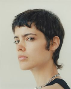 Mullet Haircut, Mullet Hairstyle, Short Hair Model, Short Dark Hair, Dark Pixie Cut, Modern Mullet, Short Mullet, Crop Hair, Prada