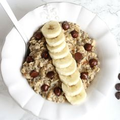 The easiest breakfast recipe ever! If you love chocolate, bananas and  peanut butter this is the recipe for you! Perfect for vegans, vegetarians  and easy to make gluten-free! Click to read now or pin for later!