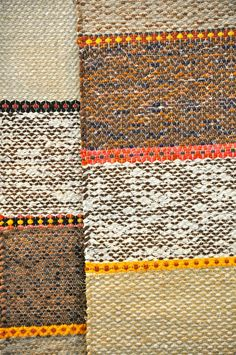 pictures of rug weaving - Bing images Weaving Textiles, Weaving Art, Loom Weaving, Hand Weaving, Kilim Rugs, Rag Rugs, Navajo Rugs, Rug Company, Recycled Fabric